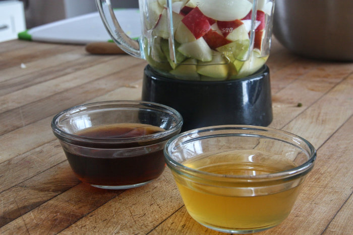 blend fish sauce, pear and apple